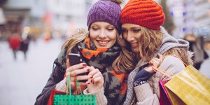 girls_holiday_shopping_mobile